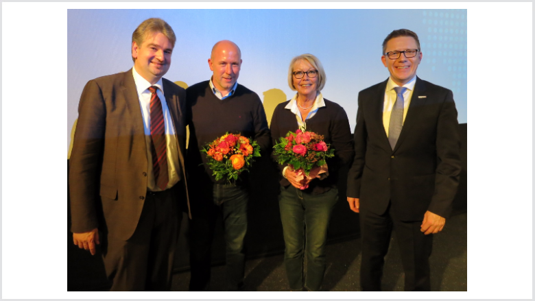 Wieland Stötzel und Dirk Bamberger dankten den ausgeschiedenen, langjährigen Stadtverordneten Dirk Vaupel und Anita Kaufmann.
